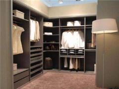 选择整体衣柜定制给生活提供多少便利?